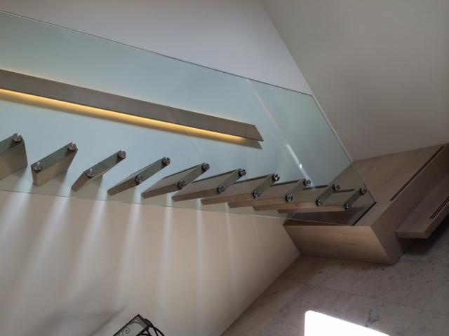 trap met licht 3